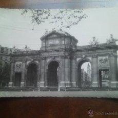 Postales - Madrid, Puerta de Alcalá. Domínguez. - 46246543