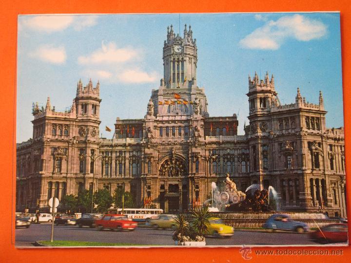 POSTAL - MADRID - CIBELES Y PALACIO COMUNICACIONES AUTOBUS - POSTALES ALCALA 1977 - NO CIRCULADA (Postales - España - Madrid Moderna (desde 1940))