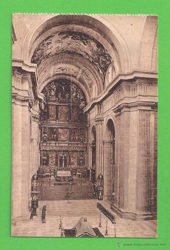TARJETA POSTAL - INTERIOR DE LA IGLESIA, EL ESCORIAL - SIN CIRCULAR. (Postales - España - Comunidad de Madrid Antigua (hasta 1939))