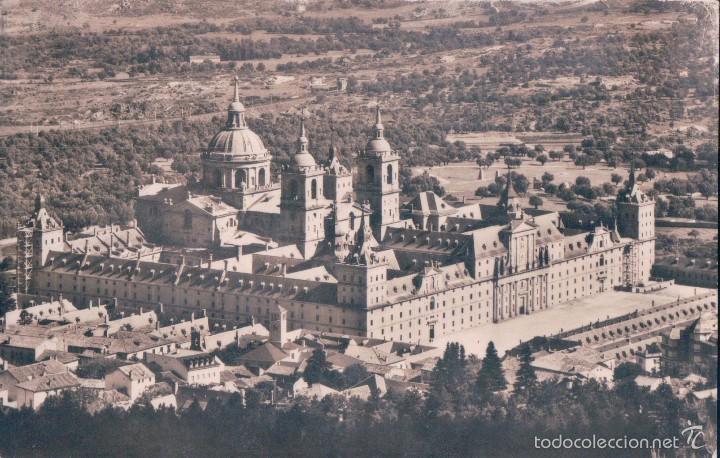 POSTAL 13. EL ESCORIAL VISTA GENERAL. CIRCULADA.(DOMINGUEZ) (Postales - España - Comunidad de Madrid Antigua (hasta 1939))