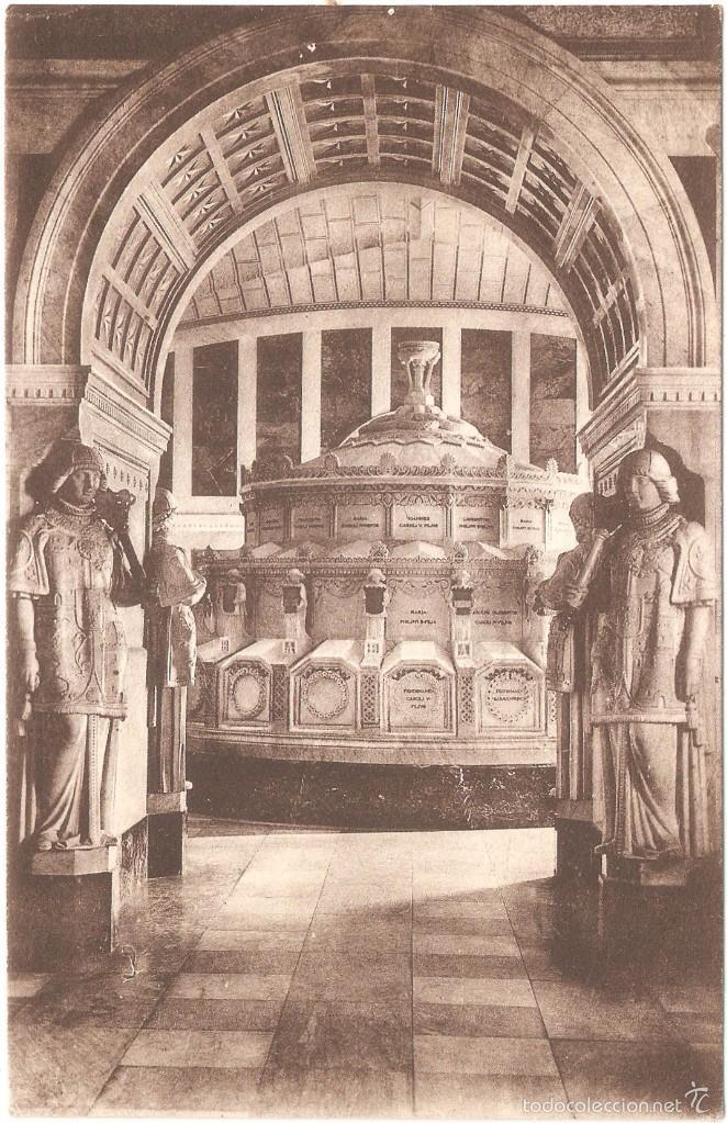 EL ESCORIAL PANTEÓN DE INFANTES LOS HERALDOS 1912 (Postales - España - Comunidad de Madrid Antigua (hasta 1939))