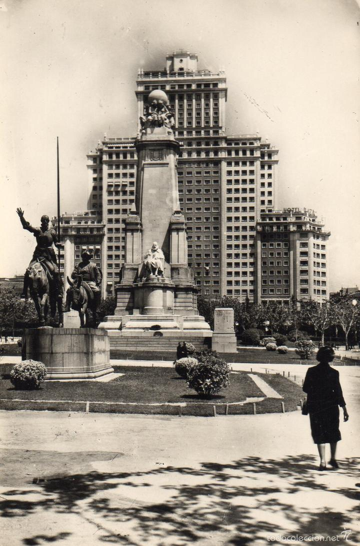 MADRID. MONUMENTO A CERVANTES. DON QUIJOTE Y SANCHO PANZA. EDIFICIO ESPAÑA (Postales - España - Madrid Moderna (desde 1940))