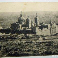 Postales: ANTIGUA POSTAL SAN LORENZO DE EL ESCORIAL -. EDICION TOMAS MORA. Lote 67301273