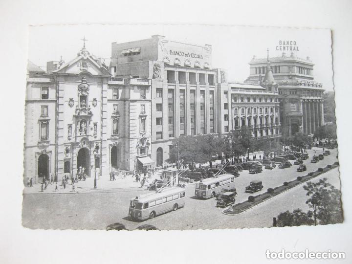 TARJETA POSTAL FOTOGRÁFICA DE MADRID. CALLE DE ALCALÁ CON TROLEBUSES. EDICIONES ARRIBAS. ZARAGOZA. (Postales - España - Madrid Moderna (desde 1940))