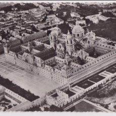 Postales: MADRID EL ESCORIAL 1957 VISTA AÉREA. HELIOTIPIA ED. EL BUEN CONSEJO. PERFECTO ESTADO.FOTO LEANDRO GO. Lote 78944909