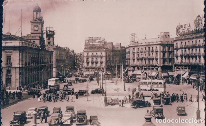 POSTAL MADRID 11 - PUERTA DEL SOL - MOLINA - COCHES EPOCA - SELLOS A EL REVERSO (Postales - España - Comunidad de Madrid Antigua (hasta 1939))