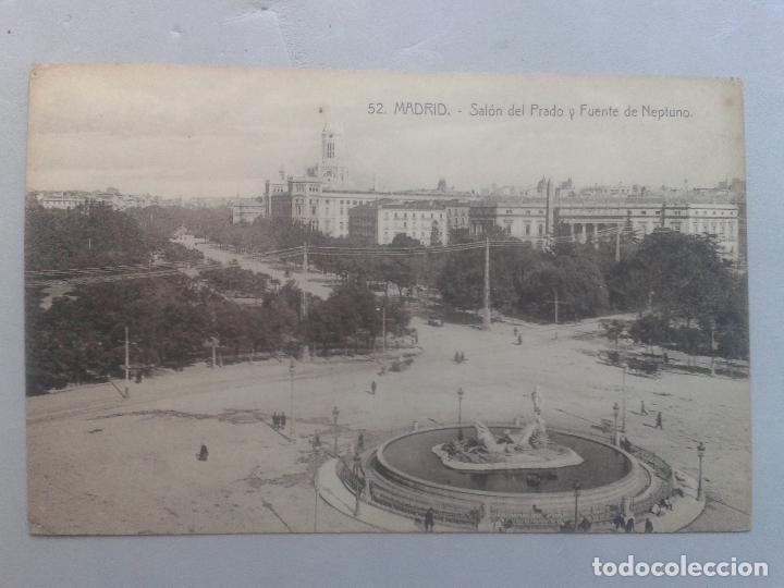MADRID. SALÓN DEL PRADO Y FUENTE DE NEPTUNO. CARROS DE ÉPOCA. (Postales - España - Comunidad de Madrid Antigua (hasta 1939))