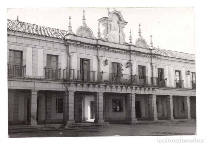 BRUNETE. MADRID.- AYUNTAMIENTO CON YUGO Y FLECHAS - POSTAL FOTOGRÁFICA - AÑOS 40 (Postales - España - Comunidad de Madrid Antigua (hasta 1939))