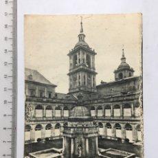 Postales - POSTAL. SAN LORENZO DEL ESCORIAL. Monasterio. Patio de los Evangelistas. Ed. TOMAS MORA. H 1950 - 108457996