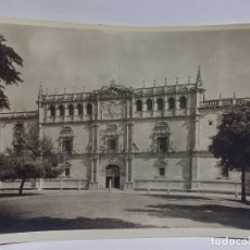 Postales: FOTOGRAFIA DE LA UNIVERSIDAD DE ALCALA DE HENARES, MADRID, FOTOGRAFIA MORENO, MADRID, MIDE 23 X 17 C. Lote 117725267