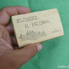Postales: CURIOSO LIBRILLO MONASTERIO ESCORIAL 24 FOTOGRAFIAS ANTIGUO TIPO ACORDEON AÑOS 50 EDICIONES MANIPEL. Lote 128787259