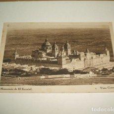 Postales: MONASTERIO DE EL ESCORIAL MADRID VISTA GENERAL. Lote 131061352