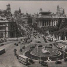 Postales: TARJETA POSTAL DE MADRID. PANORÁMICA DE LA PLAZA DE LA CIBELES Y CALLE DE ALCALÁ. Lote 135183546