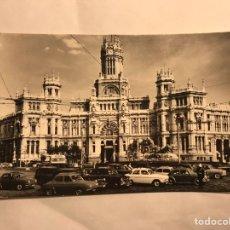 Postales - MADRID. Postal. Plaza de Cibeles y Palacio de comunicaciones (h.1950?) - 135339147