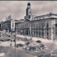 Postales: POSTAL MADRID - PUERTA DEL SOL 1 - H A E - COCHES EPOCA. Lote 139893682