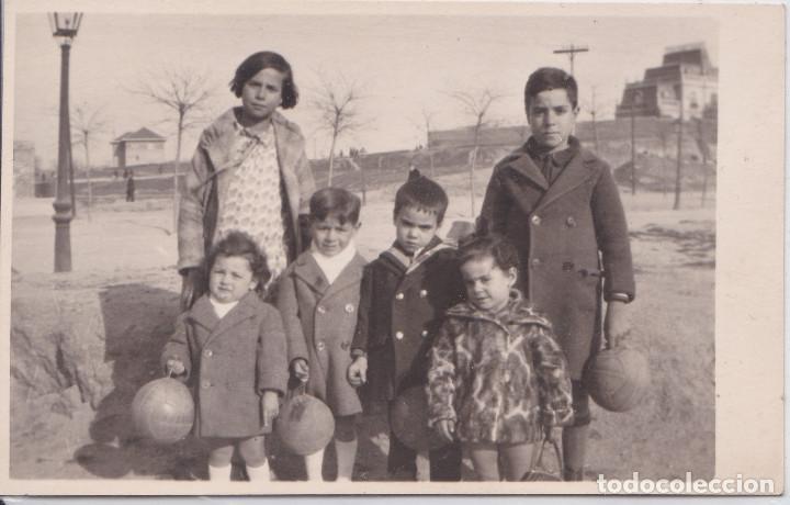 MADRID - NIÑOS EN CUATRO CAMINOS - FOTOGRAFICA (Postales - España - Comunidad de Madrid Antigua (hasta 1939))