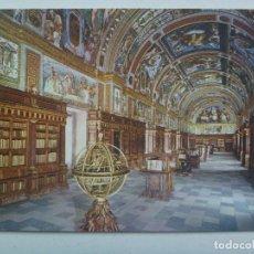 Postales: POSTAL DE EL ESCORIAL ( MADRID ): BIBLIOTECA . AÑOS 60 , DE PATRIMONIO NACIONAL. Lote 148097654