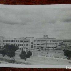Postales: VILLAVERDE (MADRID) ESCUELA DE AUTOMOVILISMO DEL EJERCITO, SAN CRISTOBAL DE LOS ANGELES, VISTA GENER. Lote 156043446