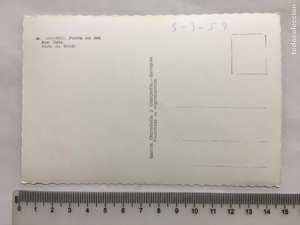 Postales: POSTAL. MADRID. PUERTA DEL SOL. EDIC. GARCÍA GARRABELLA Y CÍA. H. 1955?. - Foto 2 - 160593209