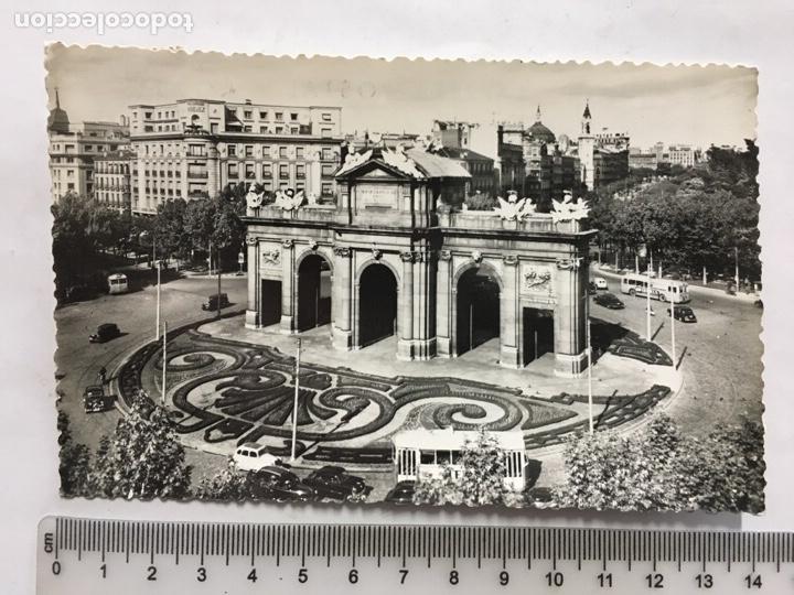 POSTAL. MADRID. PUERTA DE ALCALÁ. INDUSTRIAL FOTÓGRAFICA. H. 1955?. (Postales - España - Madrid Moderna (desde 1940))