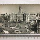 Postales: POSTAL. MADRID. PLAZA DE LA CIBELES Y PALACIO DE COMUNICACIONES. EDIC. GARCÍA GARRABELLA. H. 1955?.. Lote 160604038