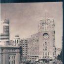 Postales: POSTAL MADRID - PLAZA DEL CALLAO - ZERKOWITZ 135 - TAMPON GRANDES HOTELES FINISTERRE S.A - COCHES . Lote 168041404
