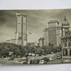 Postales: MADRID-PLAZA DE ESPAÑA, EDIFICIO ESPAÑA Y TORRE DE MADRID-19-SALVADOR BARRUECO-VER FOTOS-(60.688). Lote 168732664