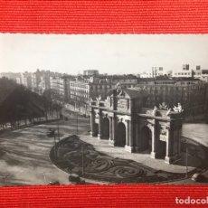 Postales: MADRID PUERTA DE ALCALA. Lote 169431072