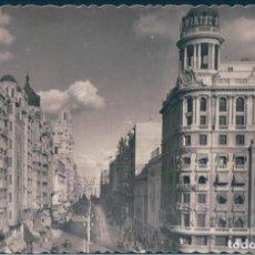 Postales: POSTAL MADRID - ASPECTO PARCIAL DE LA AVENIDA JOSE ANTONIO - GARRABELLA. Lote 169872984
