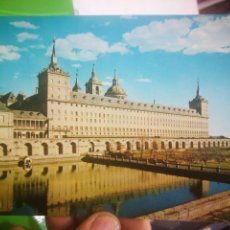 Postales: POSTAL EL ESCORIAL VISTA DEL MONASTERIO DESDE EL JARDIN DE LOS FRAILES. Lote 170376056