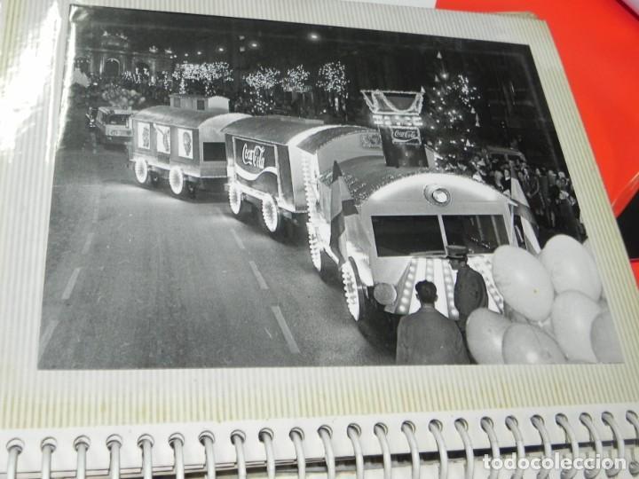 Postales: ALBUM CON 18 FOTOGRAFIAS DE LA CABALGATA DE REYES DE 1969 DE MADRID, CARROZAS DE COCA COLA, FANTA, D - Foto 8 - 171018052