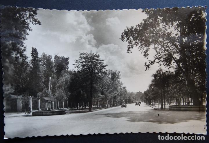 MADRID, ANTIGUA POSTAL CIRCULADA DEL PASEO DEL PRADO (Postales - España - Madrid Moderna (desde 1940))