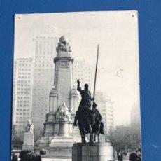 Postales: PLAZA DE ESPAÑA MONUMENTO A CERVANTES FOTO FERLOSA 1956 HUECOGRABADO FOURNIER VITORIA DON QUIJOTE. Lote 177028110