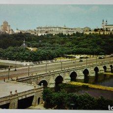 Postales: POSTAL MADRID, PUENTE DE SEGOVIA Y RIO MANZANARES, Nº 137, ESCRITA 1968. Lote 177092199