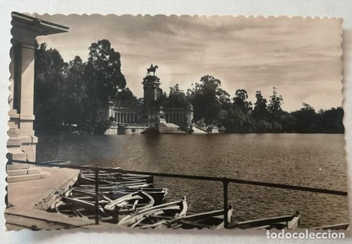 POSTAL DE MADRID.ESTANQUE DEL RETIRO Y MONUMENTO A ALFONSO XII.AÑO 1948. (Postales - España - Madrid Moderna (desde 1940))