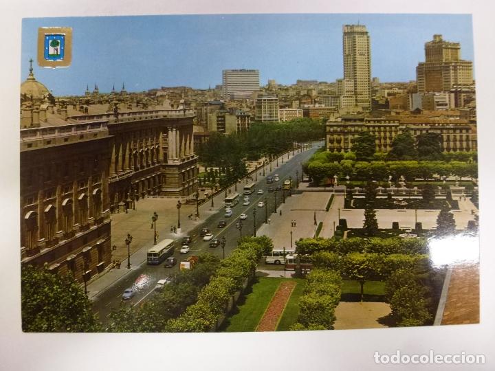 POSTAL. 98. MADRID. PALACIO REAL Y EDIFICIOS PLAZA DE ESPAÑA. ED. DOMÍNGUEZ. NO ESCRITA. (Postales - España - Madrid Moderna (desde 1940))