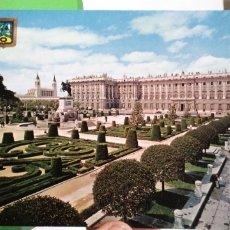 Postales: POSTAL MADRID PALACIO REAL 1964 ESCRITA Y SELLADA. Lote 180329977