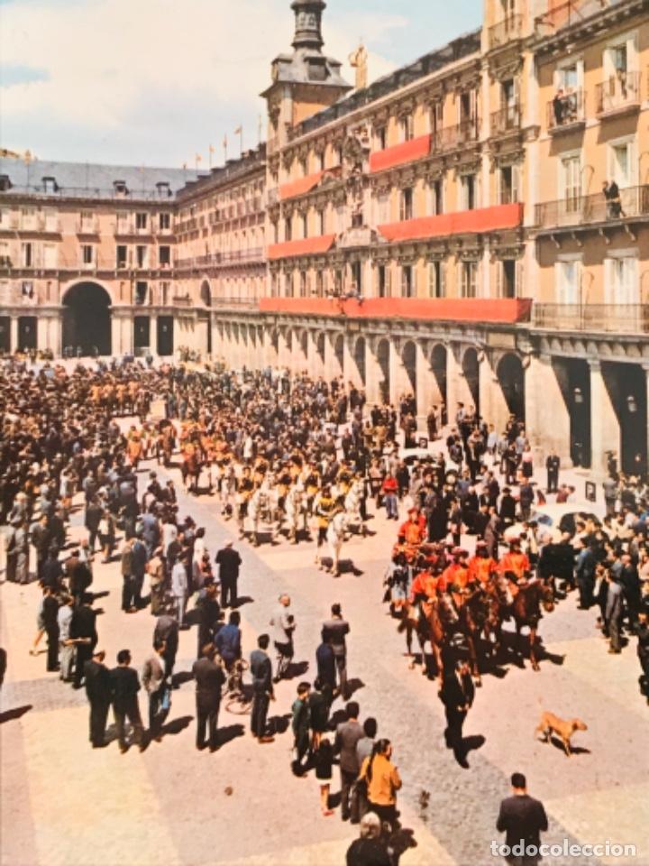 Postales: Madrid plaza mayor desfile postal madrid n. 97 dominguez ediciones barcelona sin circular - Foto 2 - 180337073