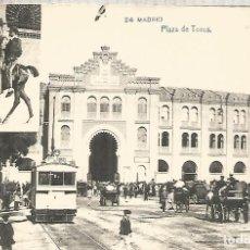 Postales: MADRID PLAZA DE TOROS Y TRANVIA TRAMWAY SIN ESCRIBIR. Lote 183582438