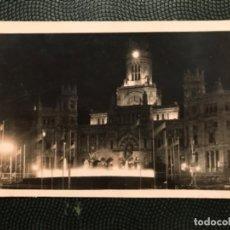 Postales: FOTOGRAFICA MADRID DE NOCHE 505 PLAZA DE LA CIBELES POSTAL FOTO E FUERTES MADRID NOCTURNO 1956 . Lote 183620581