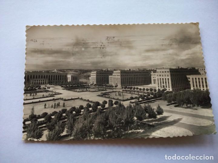 POSTAL -- MADRID - CIUDAD UNIVERSITARIA -- CIRCULADA -- (Postales - España - Madrid Moderna (desde 1940))