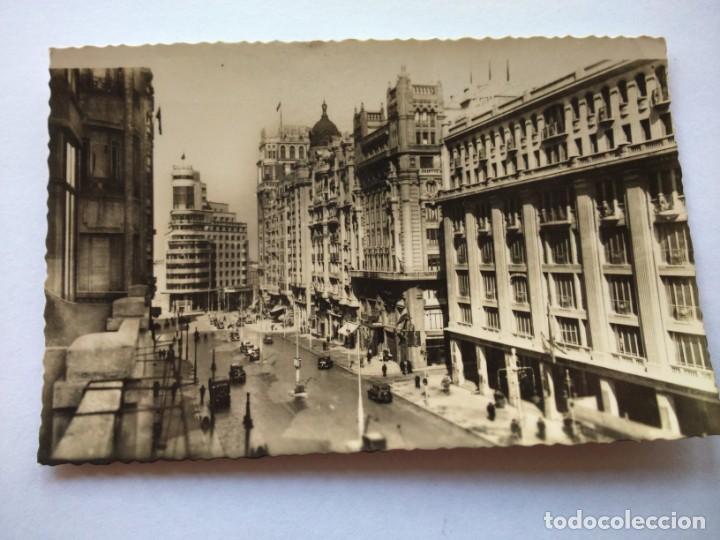 POSTAL -- MADRID - AVENIDA DE JOSE ANTONIO -- CIRCULADA -- (Postales - España - Madrid Moderna (desde 1940))