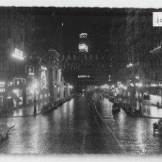 Postales: MADRID - AVENIDA DE JOSÉ ANTONIO . VISTA NOCTURNA - P30020. Lote 195191490