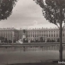 Postales: POSTAL DE MADRID PLAZA DE ORIENTE, PALACIO NACIONAL. 184 GARRABELLA. Lote 199448171