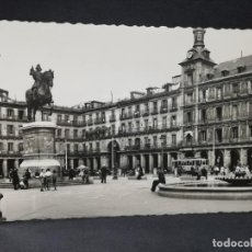Postales: TARJETA POSTAL DE MADRID. PLAZA MAYOR. MONUMENTO A FELIPE II. ED. GARCIA GARRABELLA.. Lote 205655650