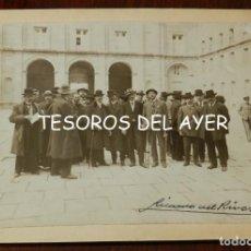 Postales: FOTOGRAFIA DE EL ESCORIAL, PATIO DE LOS REYES, MADRID, FIRMADA POR RICARDO DEL RIVERO IGLESIAS (MADR. Lote 209860453
