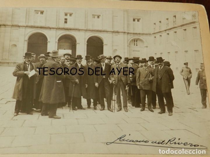 Postales: FOTOGRAFIA DE EL ESCORIAL, PATIO DE LOS REYES, MADRID, FIRMADA POR Ricardo del Rivero Iglesias (Madr - Foto 2 - 209860453