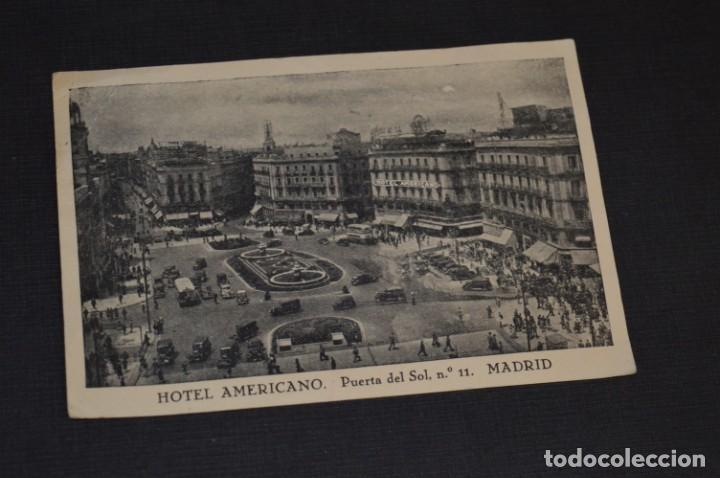 ANTIGUA / DIFÍCIL POSTAL CIRCULADA - MADRID / HOTE AMERICANO - PUERTA DEL SOL Nº 11 / OCTUBRE 1957 (Postales - España - Madrid Moderna (desde 1940))