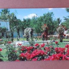 Postales: POSTAL 10 VISTABELLA. JARDINES RESTAURANTE VENTA REYES. CHINCHÓN. MADRID. 1992. SIN CIRCULAR.. Lote 227820325