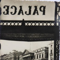 Postales: P-12058. MADRID. PLAZA DE LAS CORTES, VISTA DESDE ENTRADA DEL HOTEL PALACE. CIRCULADA. AÑO 1955. Lote 230386975